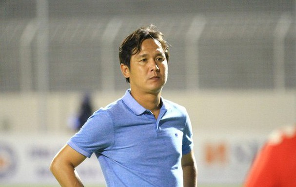 Coach Minh Phuong was fired by the Binh Phuoc Club